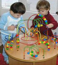 espace petite enfance, animation pour les bébés pendant le spectacle de Noël sur la région parisienne