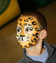 pour un arbre de noel sur Paris, un maquillage de tigre