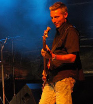 Groupe musicale sur la région parisienne (le guitariste)