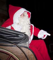 Père Noël en calèche, animation privilégiée pour un arbre de Noël des enfants sur Paris